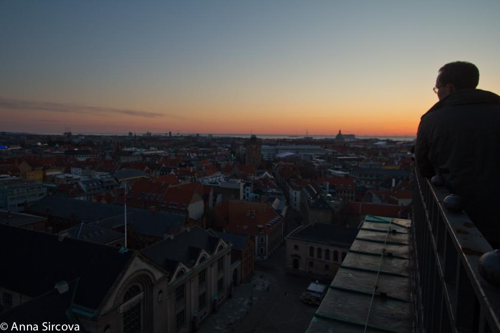 Awaiting the sunrise | Københavns Domkirke